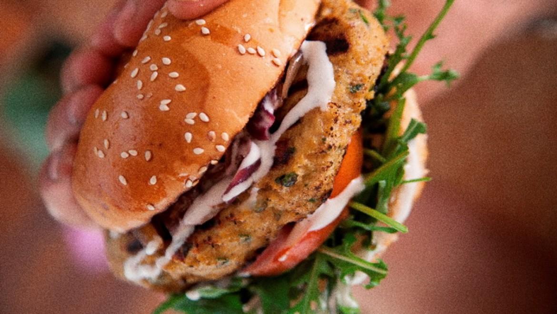 מנת המבורגר מ- 100% בשר סרטנים איכותי!